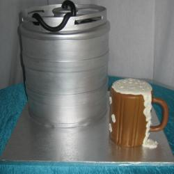 Groom's Cake 28- Beer Keg and Mug
