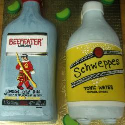 Groom's Cake 34- Beefeater and Schweppes