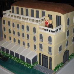 Shaped 44dd- Venice Building